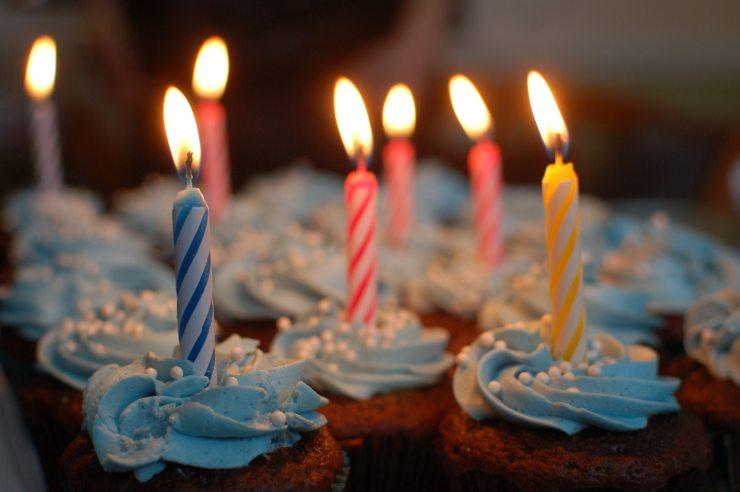 birthday-blur-cake-40183.jpg